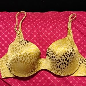 34B Victoria Secret Lined Demi